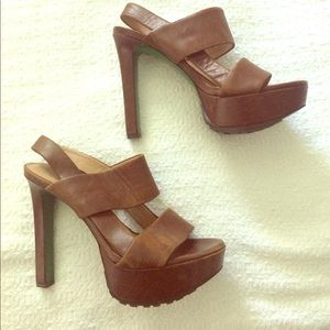 $248 Donald J Pliner Leather Platform Heels